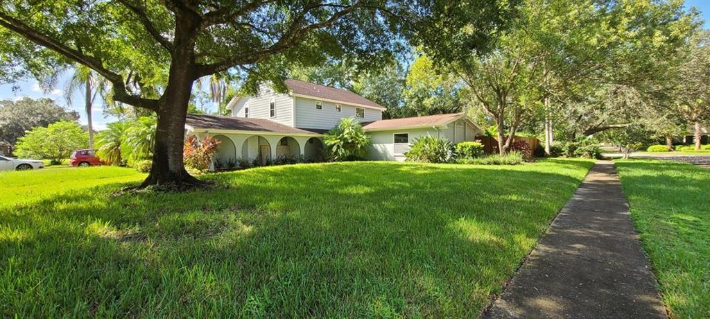 13311 GOLF CREST CIRCLE Property Photo - TAMPA, FL real estate listing