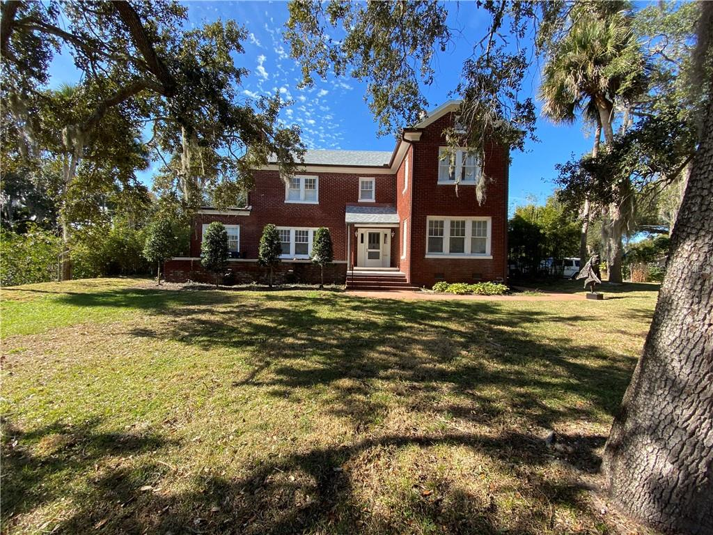 1802 S Riverside Drive Property Photo