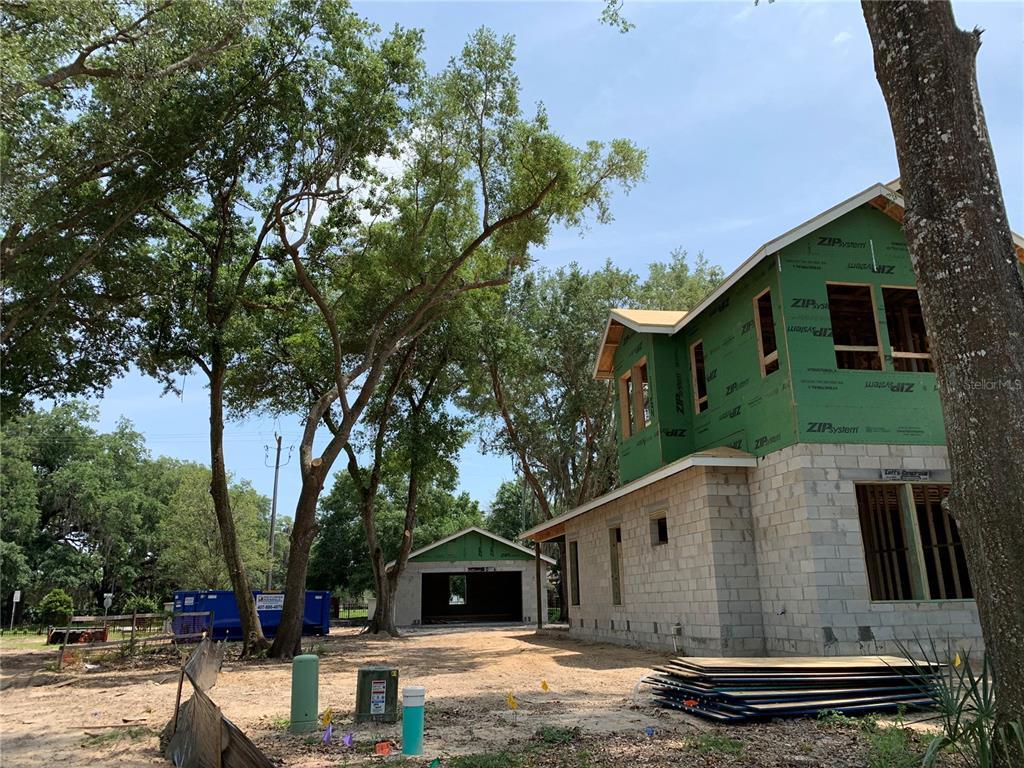 724 Garden West Terrace Property Photo 1
