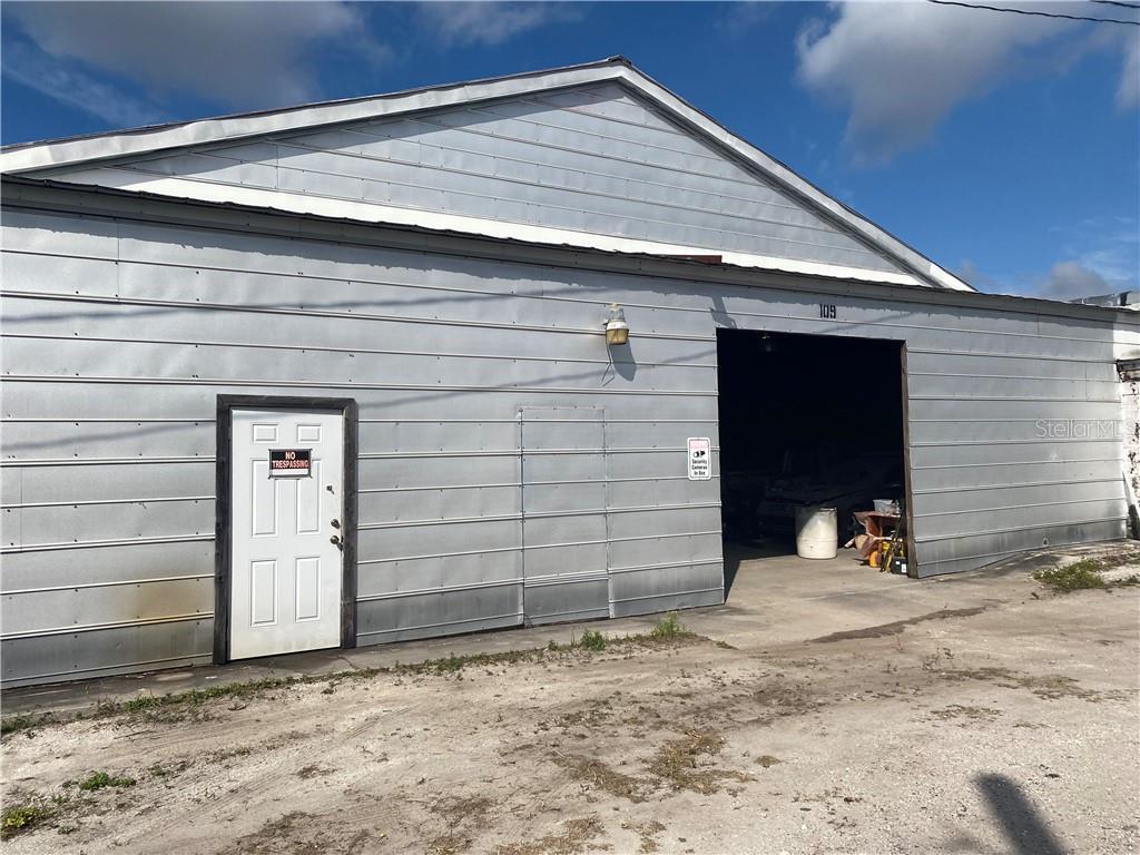 109 S Orange Ave Property Photo