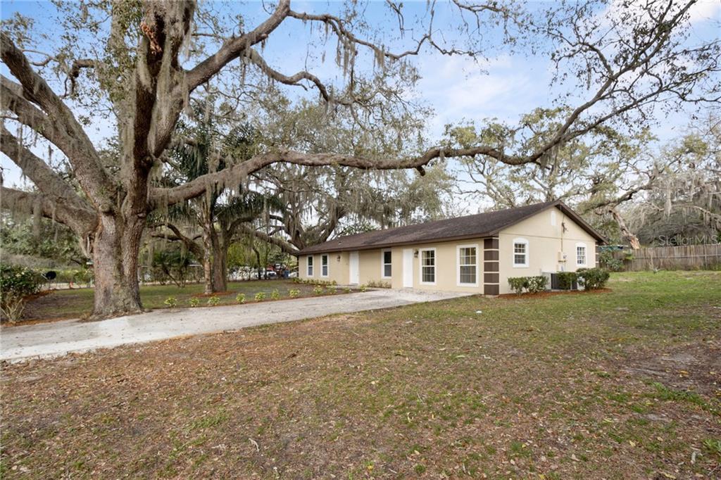 210 PEARL STREET Property Photo - MASCOTTE, FL real estate listing