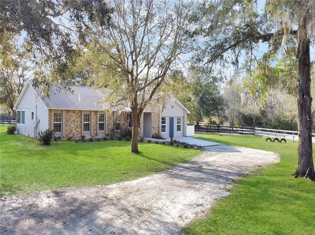 1350 ARAPAHO TRAIL Property Photo - GENEVA, FL real estate listing