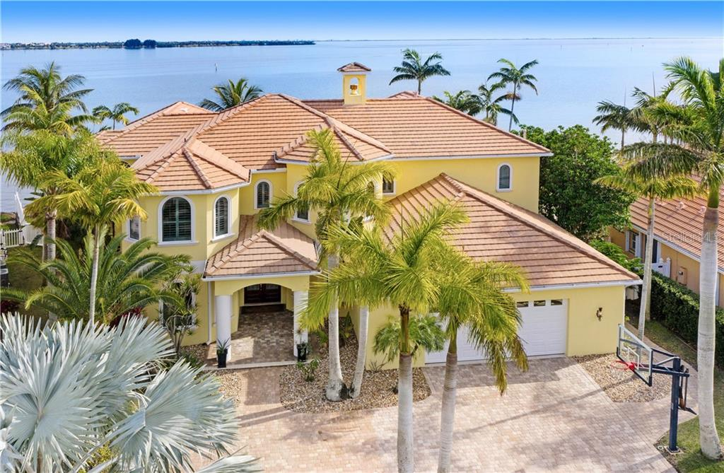 1900 HARBOR POINT DRIVE Property Photo - MERRITT ISLAND, FL real estate listing