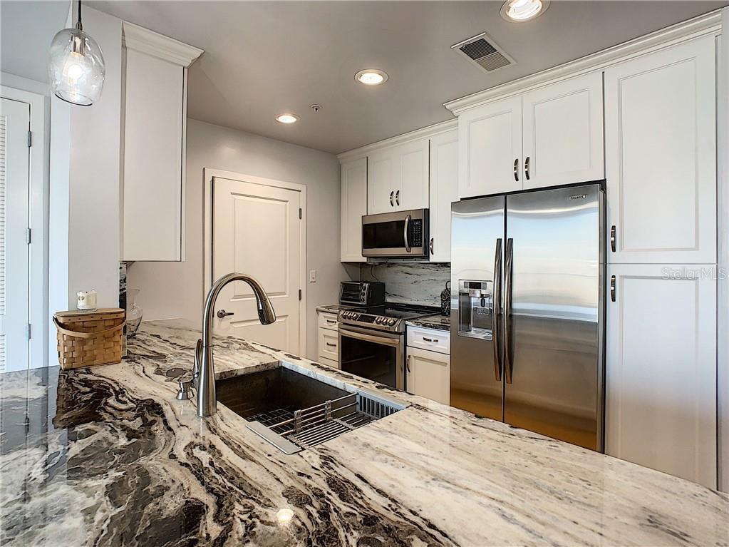 155 S Court Avenue #1305 Property Photo 14