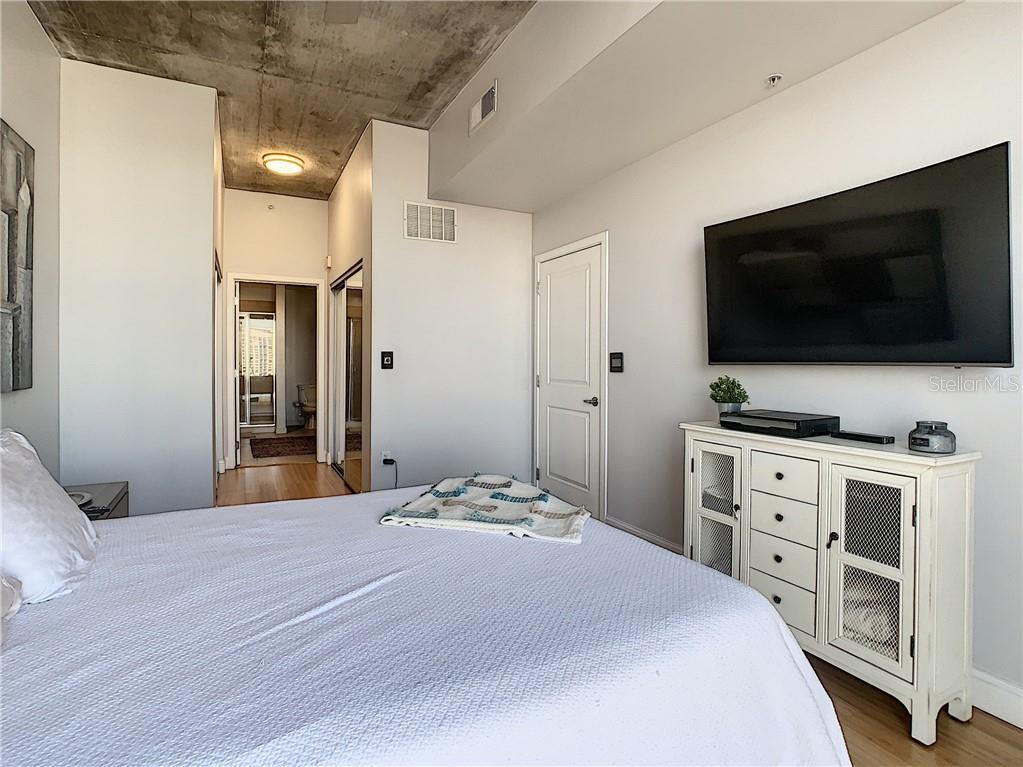 155 S Court Avenue #1305 Property Photo 32
