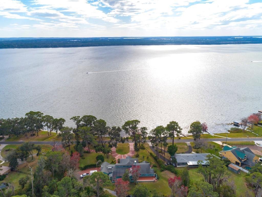 32850 LAKESHORE DRIVE Property Photo - TAVARES, FL real estate listing