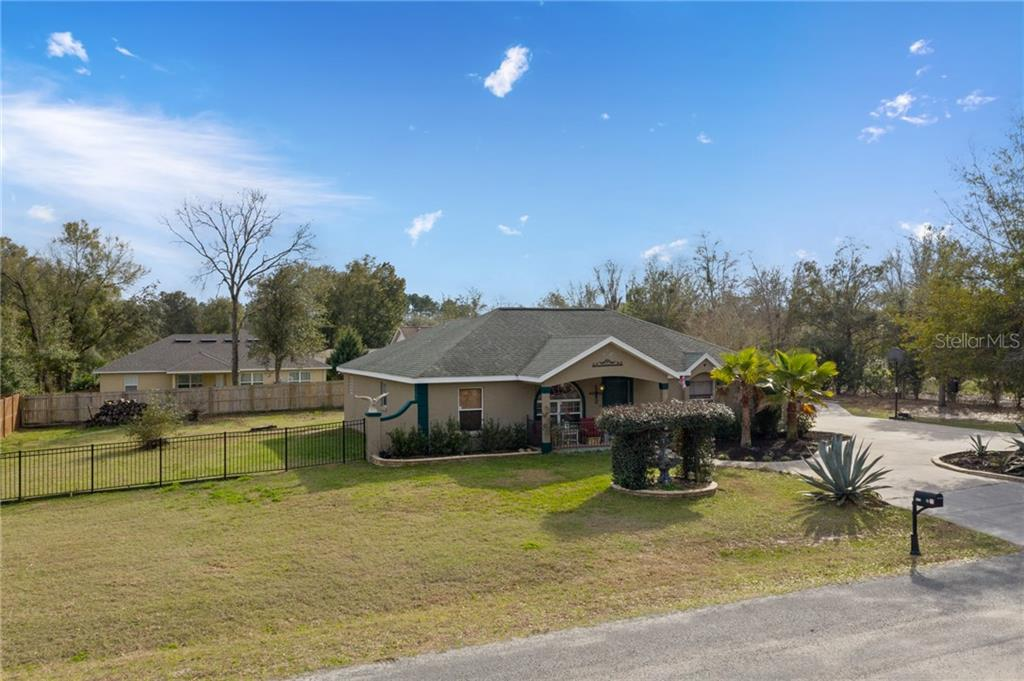 8370 SE 155TH PLACE Property Photo - SUMMERFIELD, FL real estate listing