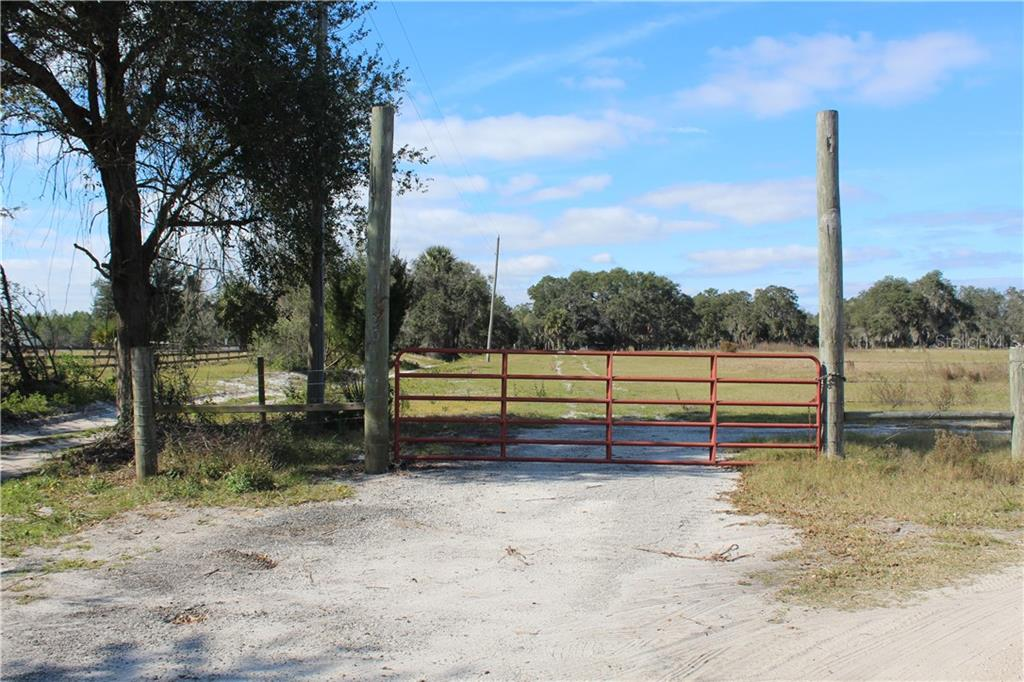 TEAL ROAD Property Photo - GENEVA, FL real estate listing
