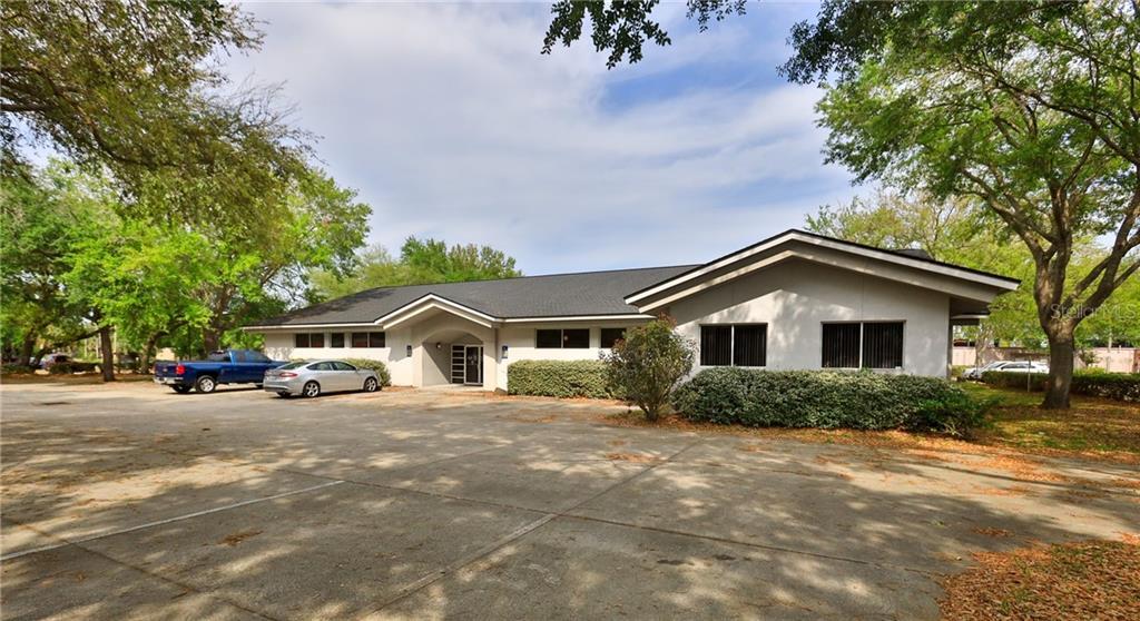 820 Commed Boulevard Property Photo