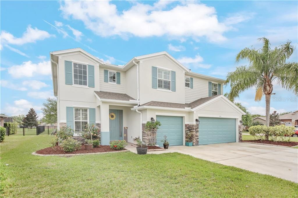352 SKYVIEW PL Property Photo - CHULUOTA, FL real estate listing