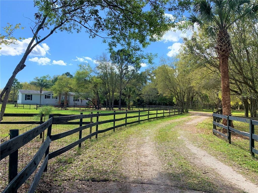 405 ELIZABETH LANE Property Photo - OSTEEN, FL real estate listing