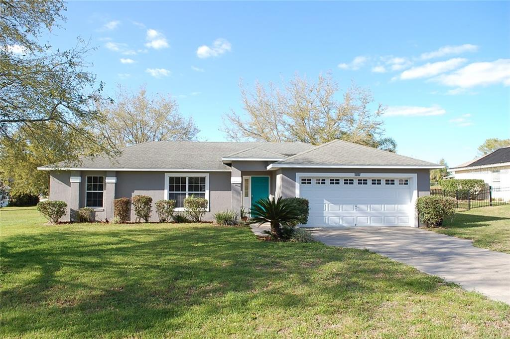 205 FOREST PARK LANE Property Photo - LADY LAKE, FL real estate listing