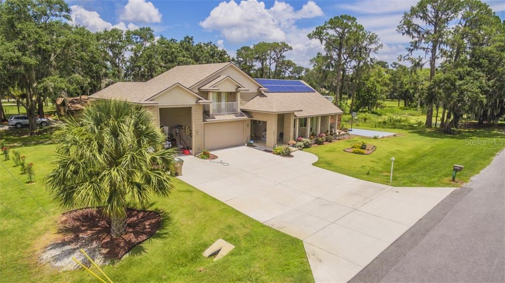 12451 INSIM LANE Property Photo - LEESBURG, FL real estate listing