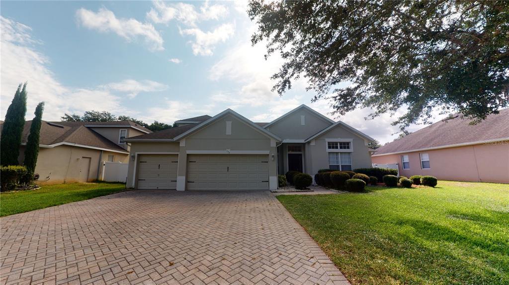 117 E BLUE WATER EDGE DRIVE Property Photo - EUSTIS, FL real estate listing
