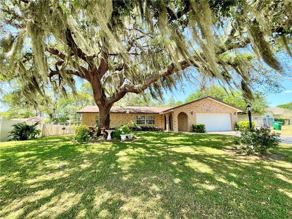 810 E Fairbairn Drive Property Photo