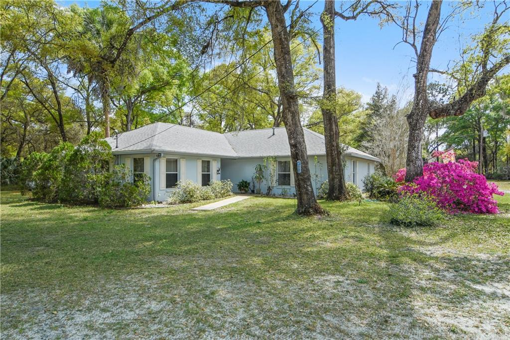 15195 NE 149TH AVENUE Property Photo - FORT MC COY, FL real estate listing