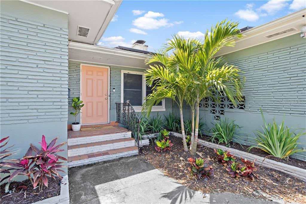 910 38TH AVE N Property Photo - ST PETERSBURG, FL real estate listing