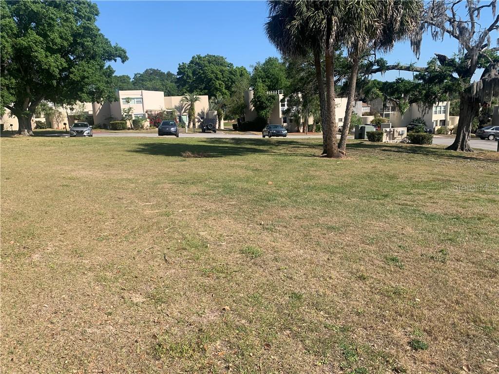 921 Encourte Green Property Photo