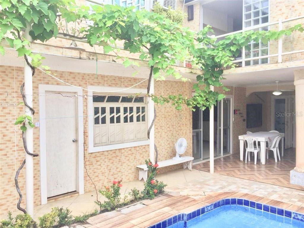 Arembepe Real Estate Listings Main Image