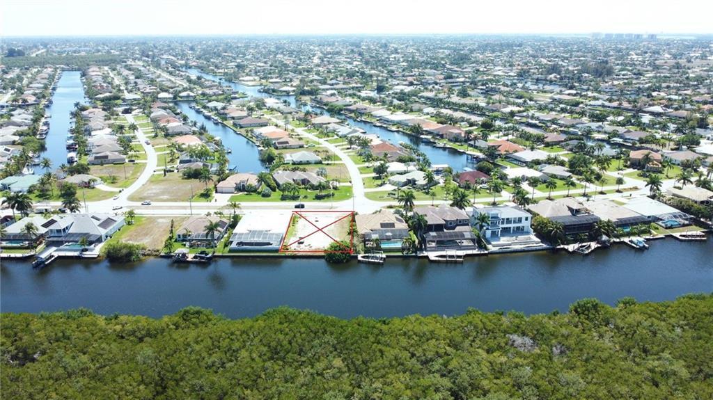 3812 SURFSIDE BOULEVARD Property Photo - CAPE CORAL, FL real estate listing