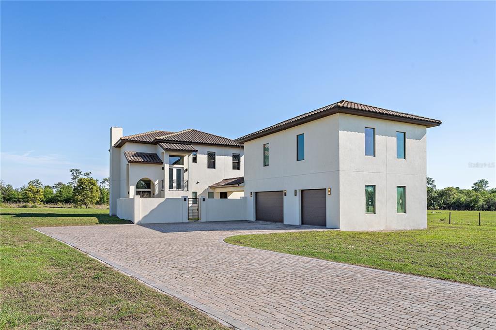 17215 Heartwood Loop Property Photo 1