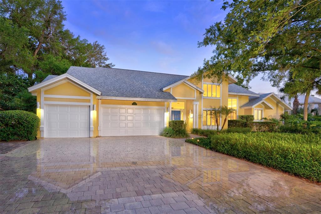 2585 E Spruce Creek Boulevard Property Photo 1
