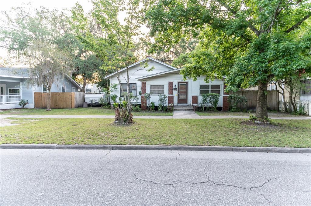 211 S Maple Avenue Property Photo