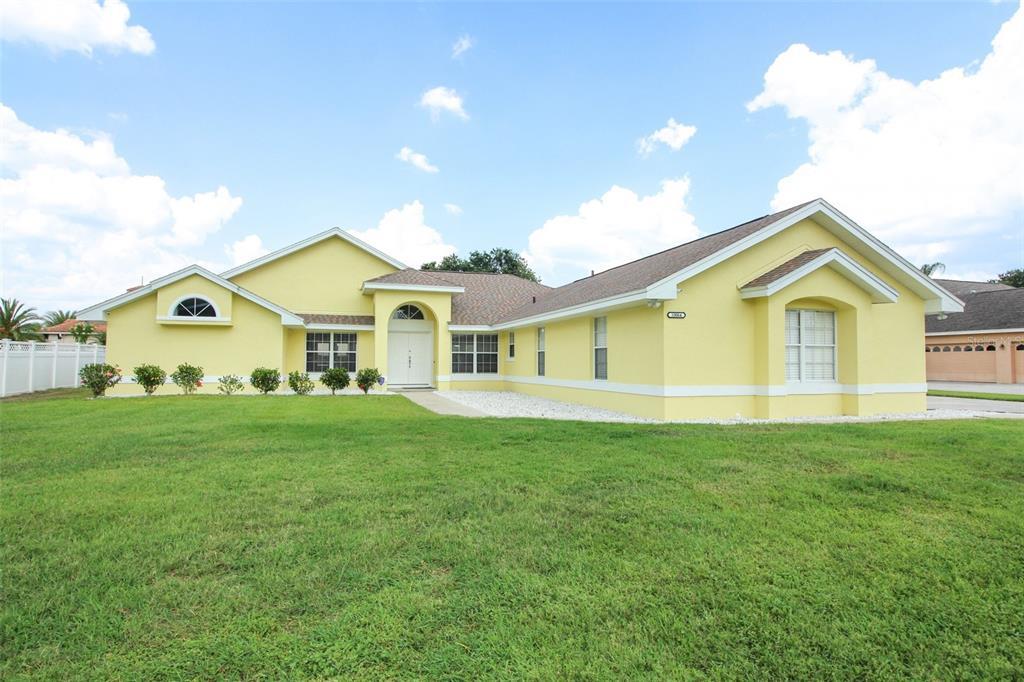 10064 Brandon Circle Property Photo