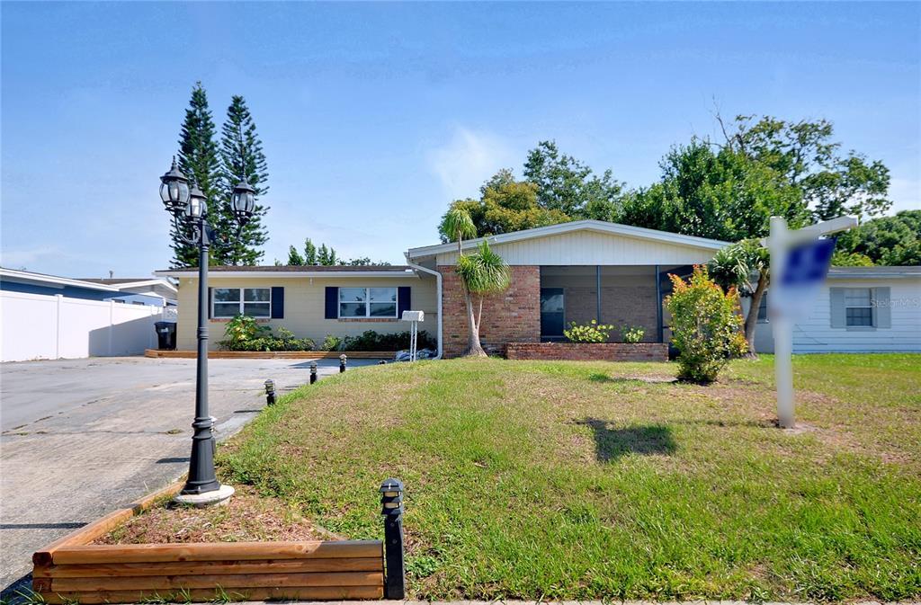 757 Evangeline Avenue Property Photo 1