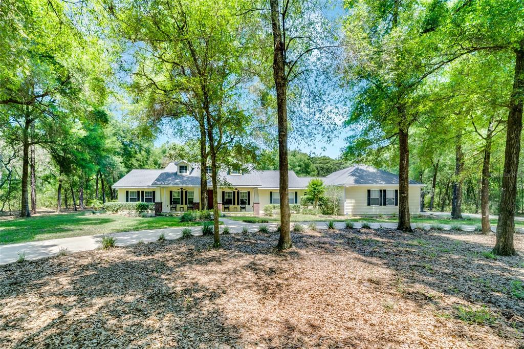 1735 Taylor Woods Road Property Photo 1