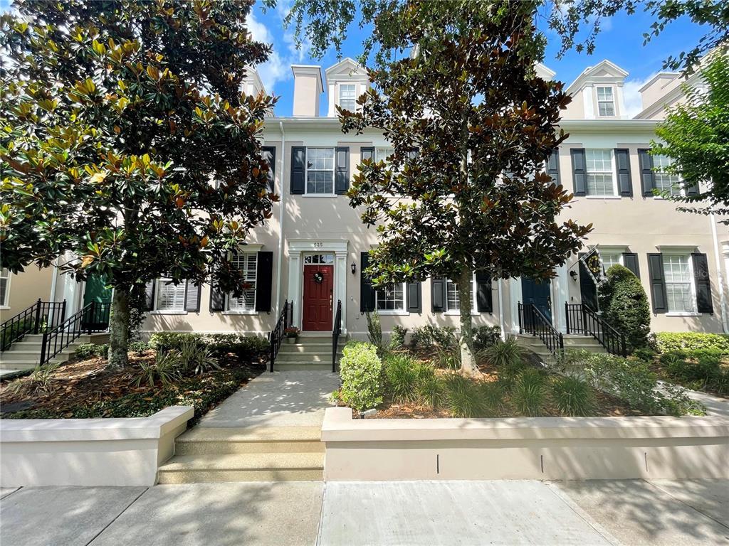 525 Campus Street Property Photo 1