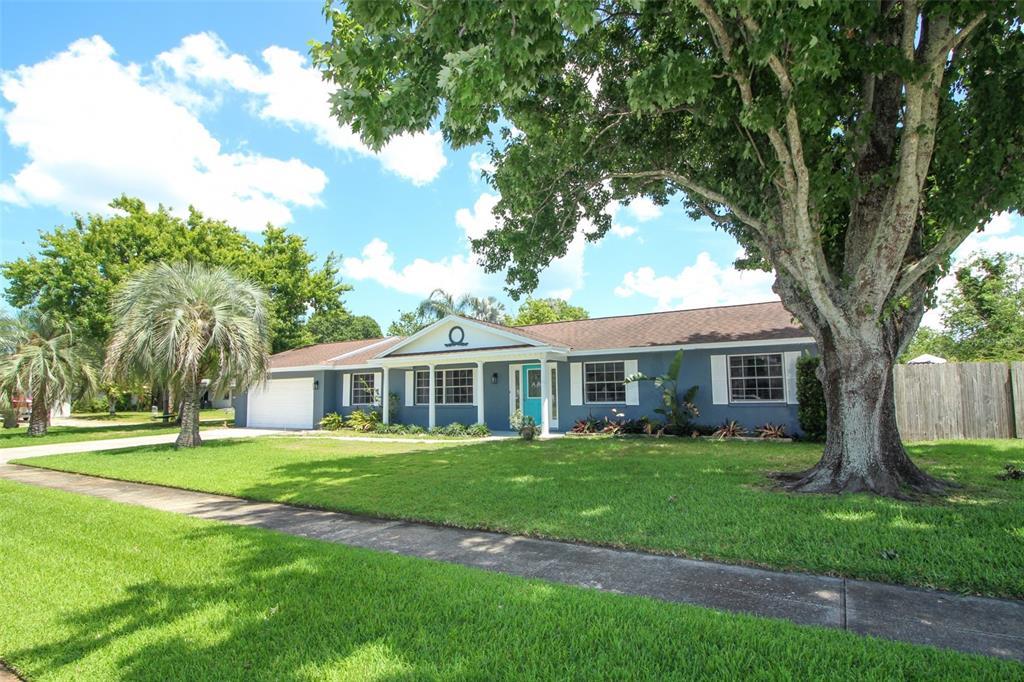 990 Boxford Lane Property Photo 1