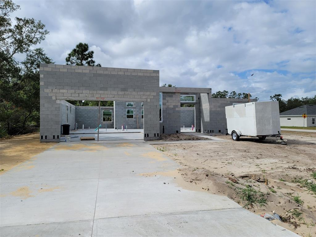 427 Maitland Court Property Photo 1