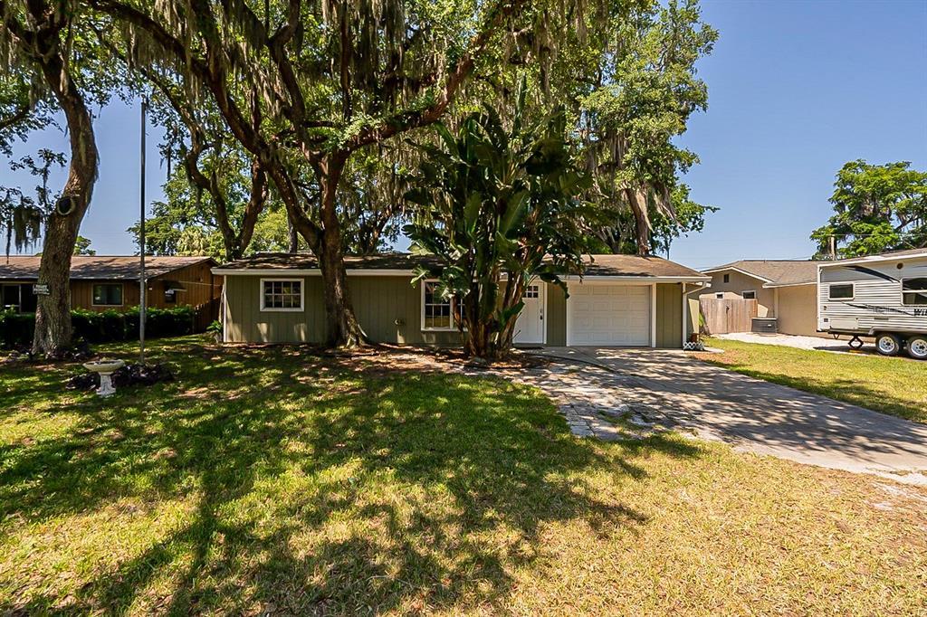 1724 Pine Tree Drive Property Photo