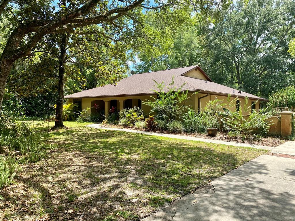 476 Wood Street Property Photo