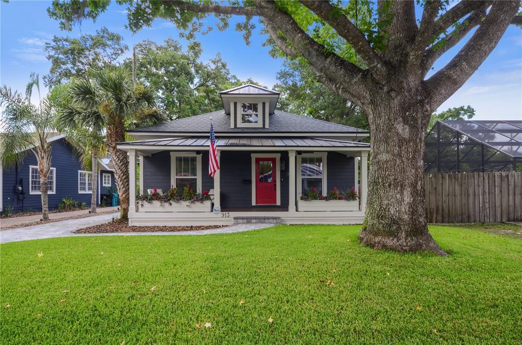 913 La Salle Avenue Property Photo