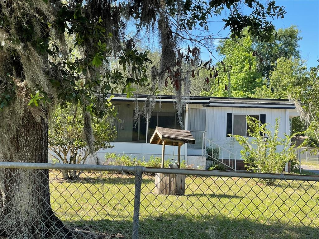 13548 Woodland Drive Property Photo