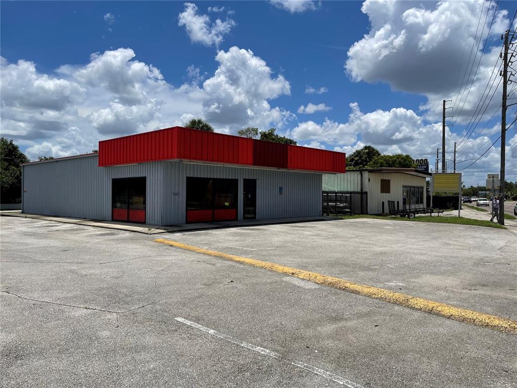 7390 Aloma Avenue Property Photo