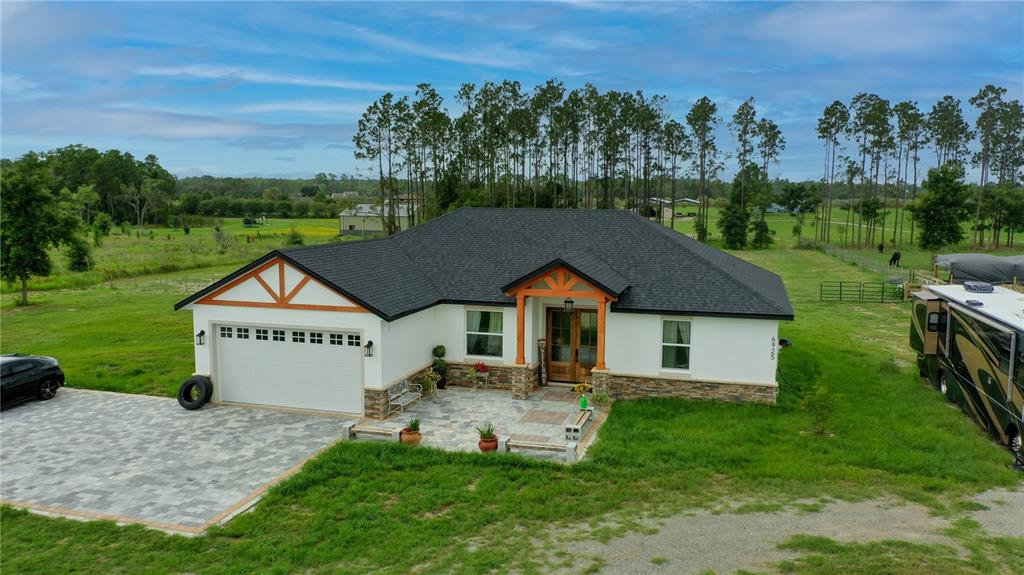 6925 Green Swamp Road Property Photo 1