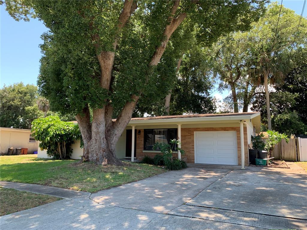 2186 Sherwood Drive Property Photo