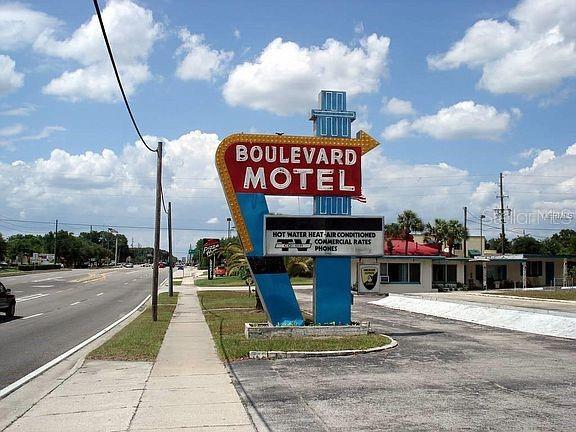 1349 N Woodland Boulevard Property Photo