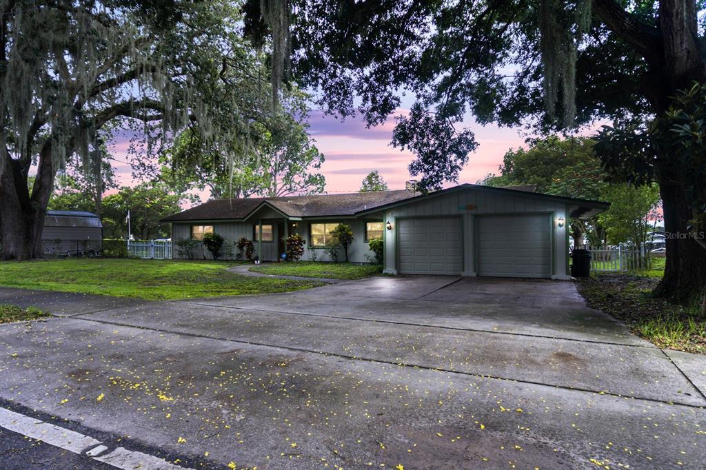 401 Prairie Lake Drive Property Photo