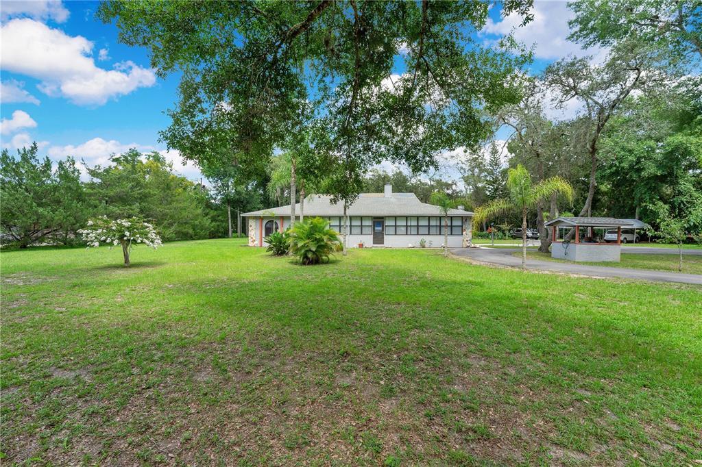 1725 N Lakewood Ave Property Photo