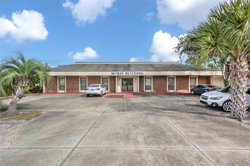 2435 S Ridgewood Avenue Property Photo