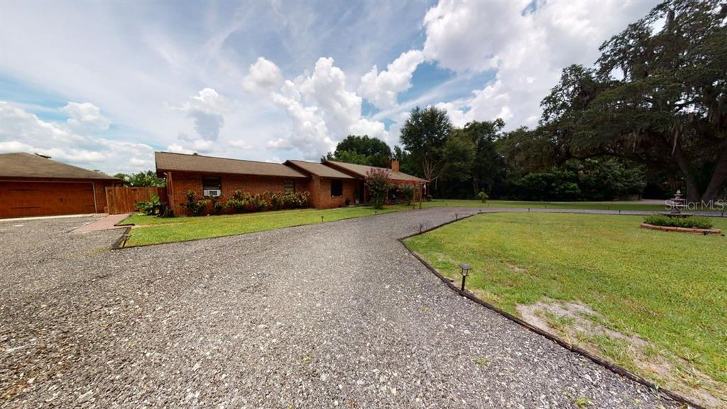 1395 Taylor Road W Property Photo 1