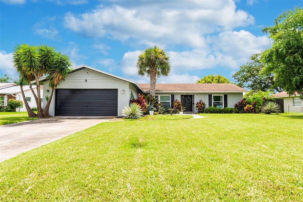 2312 Lauderdale Court Property Photo