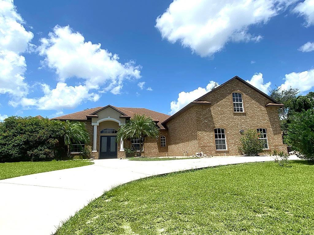 2100 Watersedge Drive Property Photo