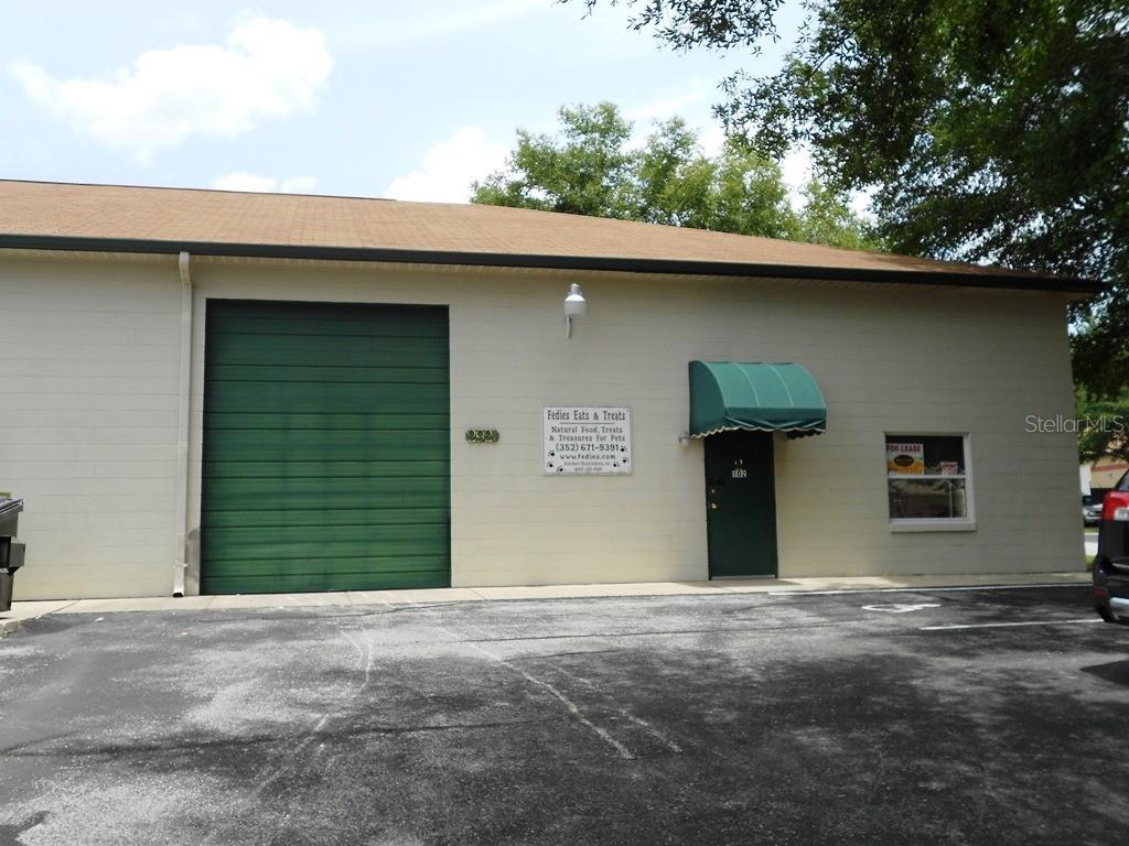 2921 Ne 23rd St #102 Property Photo
