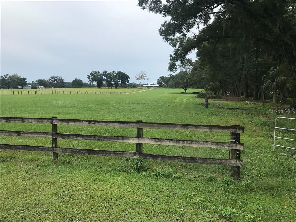 8061 Ne Jacksonville Road Property Photo