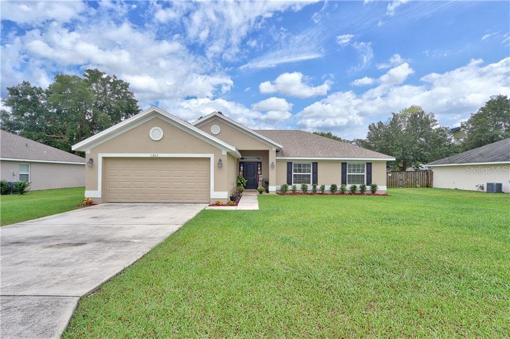 1203 Se 65th Circle Property Photo